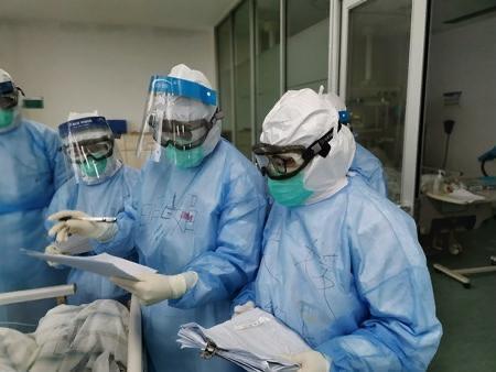 乌克兰总统称赞乌中医生交流抗疫经验