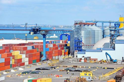今年1-4月份乌克兰海港货物转运量增长12.5%达5500万吨