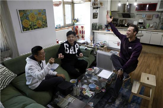 乌克兰小伙拜师中国相声名家:用热爱将曲艺传承