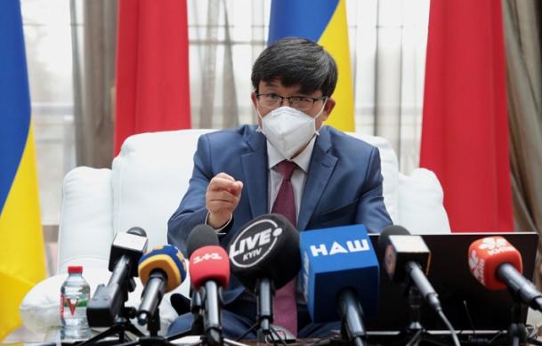 驻乌克兰大使范先荣在乌独立30周年前夕接受乌主流媒体专访