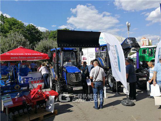 雷沃重工携新产品亮相乌克兰国际农业博览会