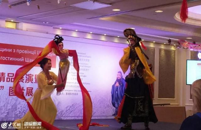 山东非物质文化遗产精品展演在乌克兰举办 莱西木偶受热捧